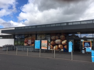 Photo To illustrate grocery shop front